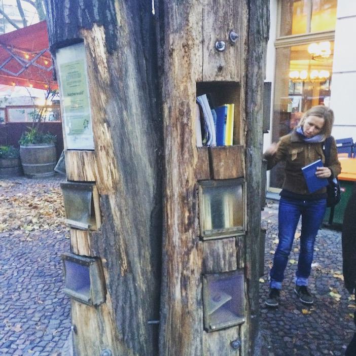 Une givebox dans les rues de Berlin. Photo : Olivier Guermouh