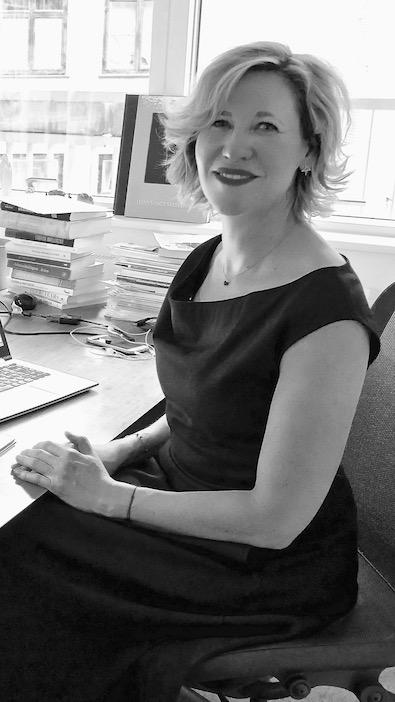 Emilia Van Hauen dans son bureau.