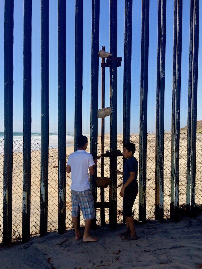 Tijuana, plage, échelle de cailloux