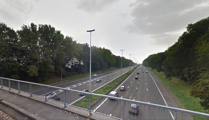 L'autoroute européenne, E40, vue d'un pont.