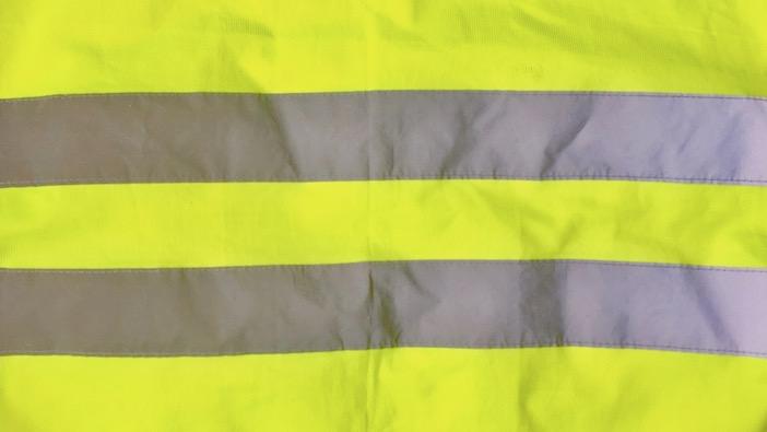 Gilet jaune, bandes réfléchissantes