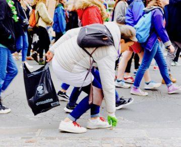 On a suivi les Clean Walkers, ces jeunes qui marchent pour le climat tout en ramassant les ordures