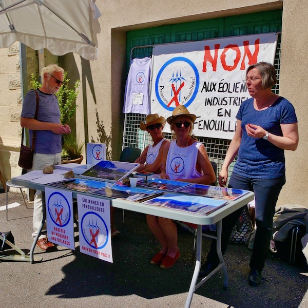 Stand du collectif à la Fete du Balcon du Fenouillèdes (Prats du Sournia)