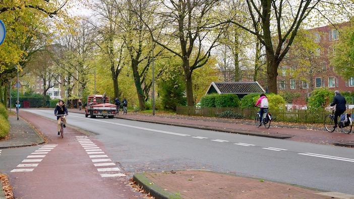 Les pistes cyclables pourpres.