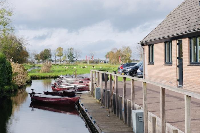 Location de barques et parking