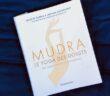 Mudra, le yoga des doigts (couverture du livre)